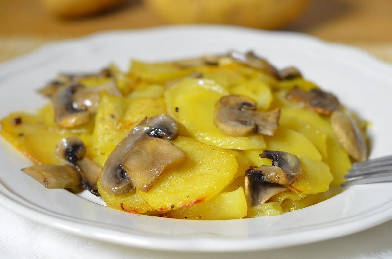 Картошка грибы сметана