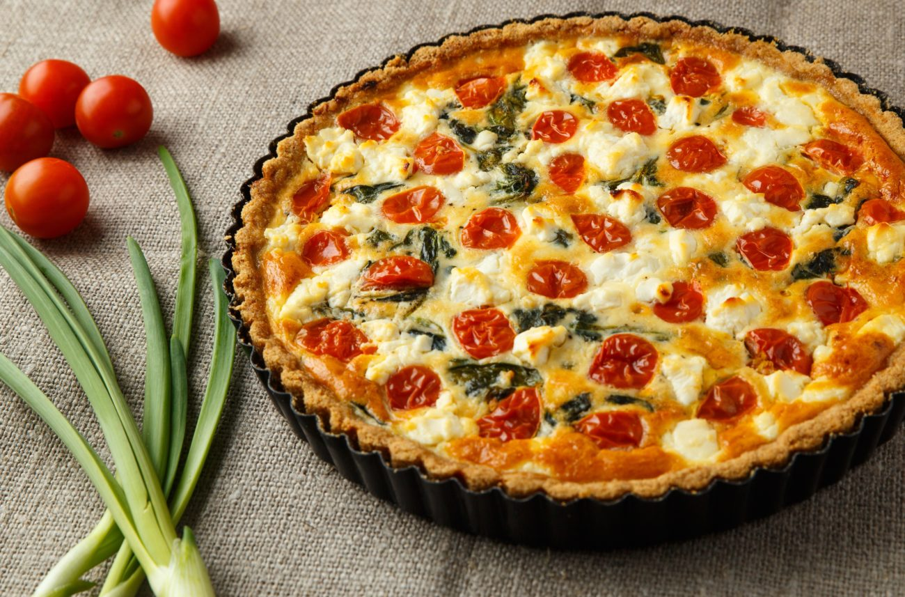 Пирог с помидорами и сыром пошагово в