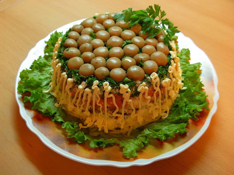 Лесная поляна салат с маринованными опятами