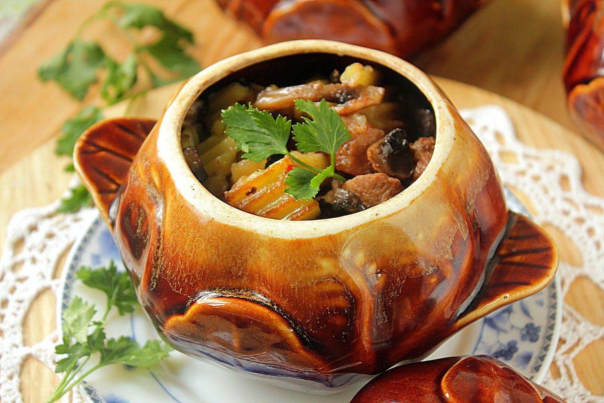 Блюда в горшочках в духовке рецепты с пошагово простые и вкусные