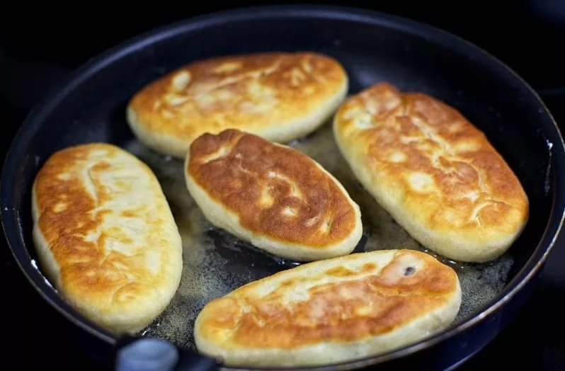 Как готовить пирожки с картошкой на сковороде рецепт пошаговый